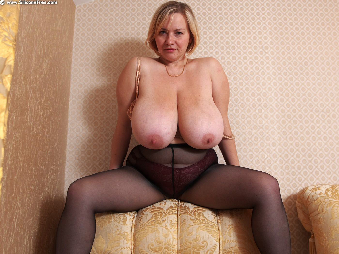Big breast archievess live sex video chat with hot cam girls