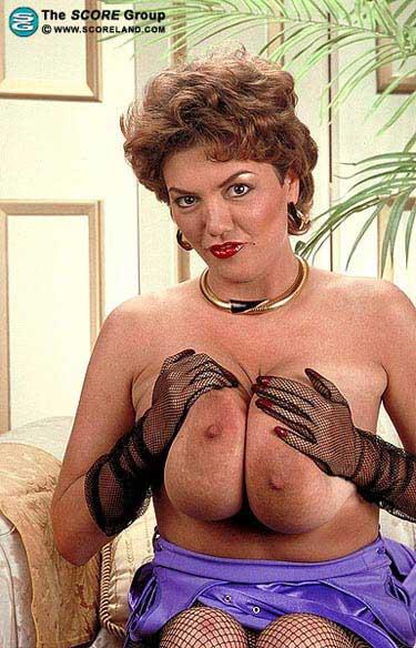 Big Breast Archive: Diane Poppos